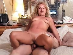 Hot young slut is ready to fuck for the whole world to see!